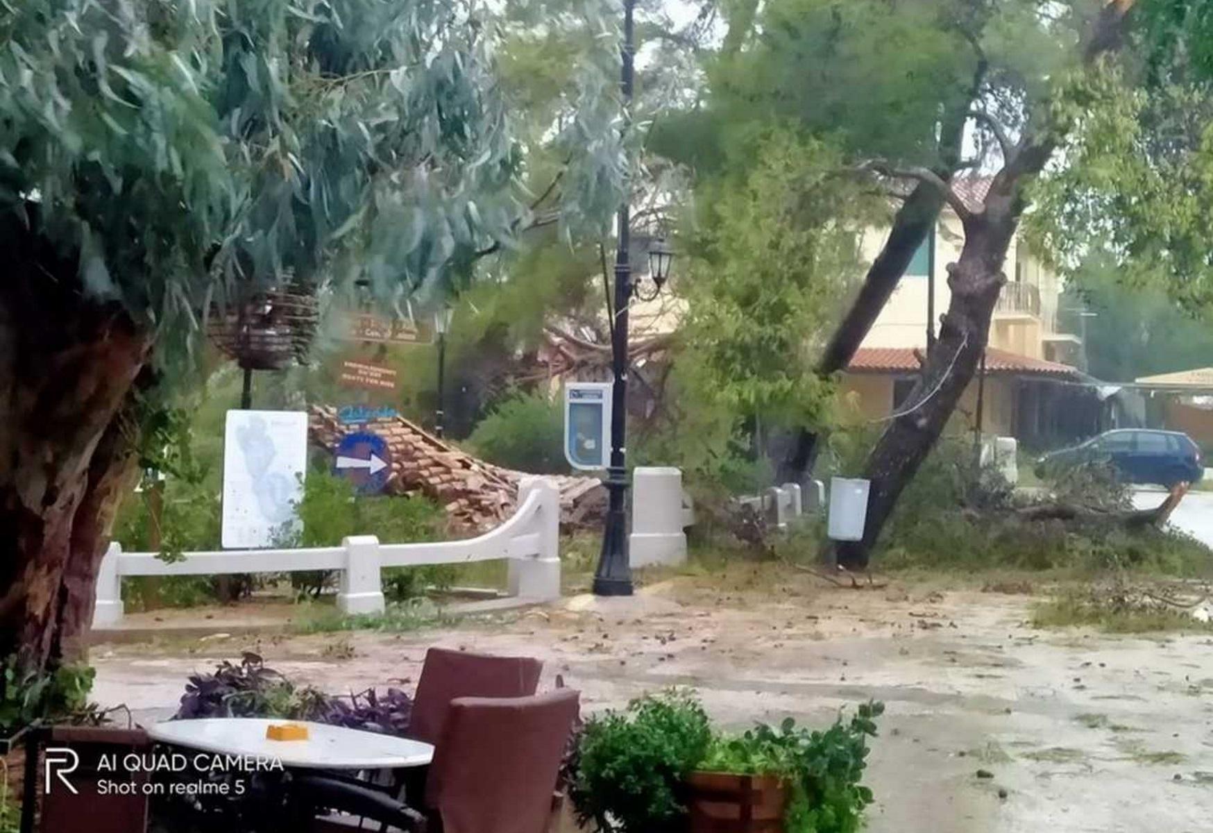 Ιανός: «Βούλιαξε» την Ιθάκη ο μεσογειακός κυκλώνας – Κομμένοι δρόμοι και καταστροφές σε Φάρσαλα και Φθιώτιδα