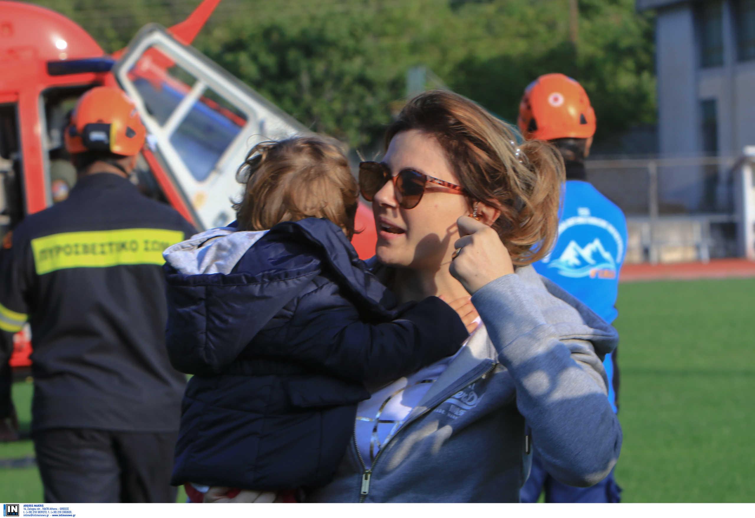 Συγκλονιστικές εικόνες στην Καρδίτσα μετά τους πρώτους απεγκλωβισμούς: Είμαστε λίγοι αλλά ζωντανοί