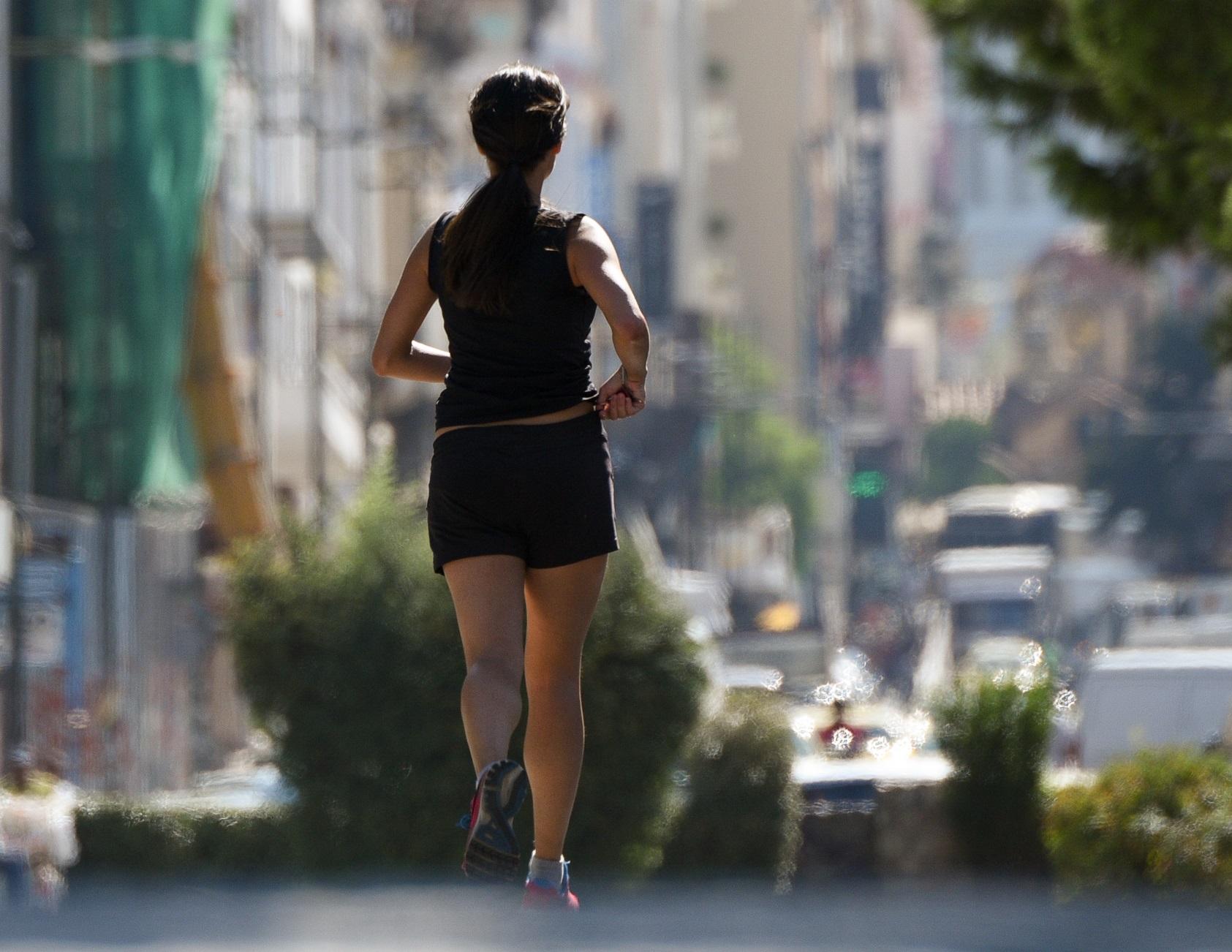 Βόλος: Πέταξε βενζίνη σε γυναίκα που έβλεπε για πρώτη φορά! Προβληματίζει το παζλ της επίθεσης
