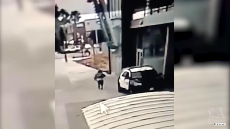 Λος Άντζελες: Αστυνομικοί χαροπαλεύουν μετά από ενέδρα και ο Τραμπ… κράζει – Video σοκ