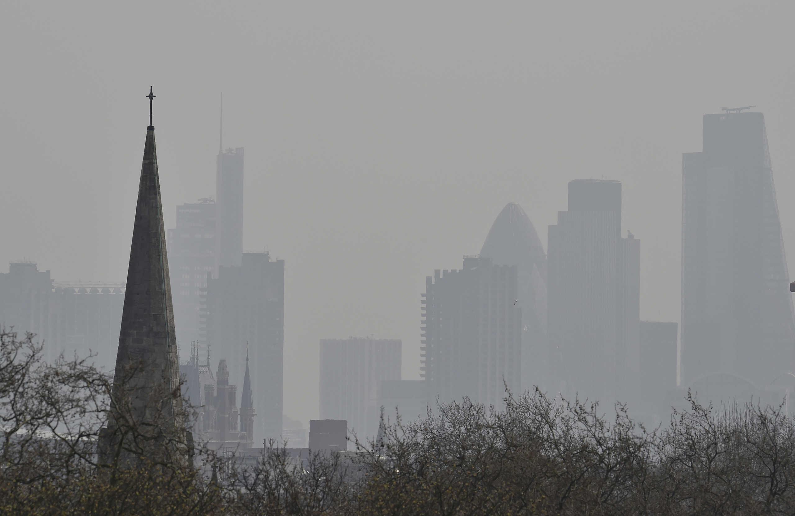 Απόφαση «σταθμός» από βρετανικό δικαστήριο – «Η ατμοσφαιρική ρύπανση συνέβαλε στον θάνατο κοριτσιού»