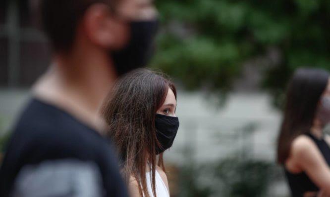 Το 85% των Γερμανών θέλουν μάσκα υποχρεωτικά σε αγορές και ΜΜΜ!