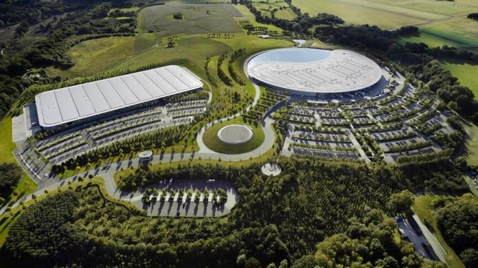 Η McLaren βγάζει στο σφυρί τις εγκαταστάσεις της στο Woking