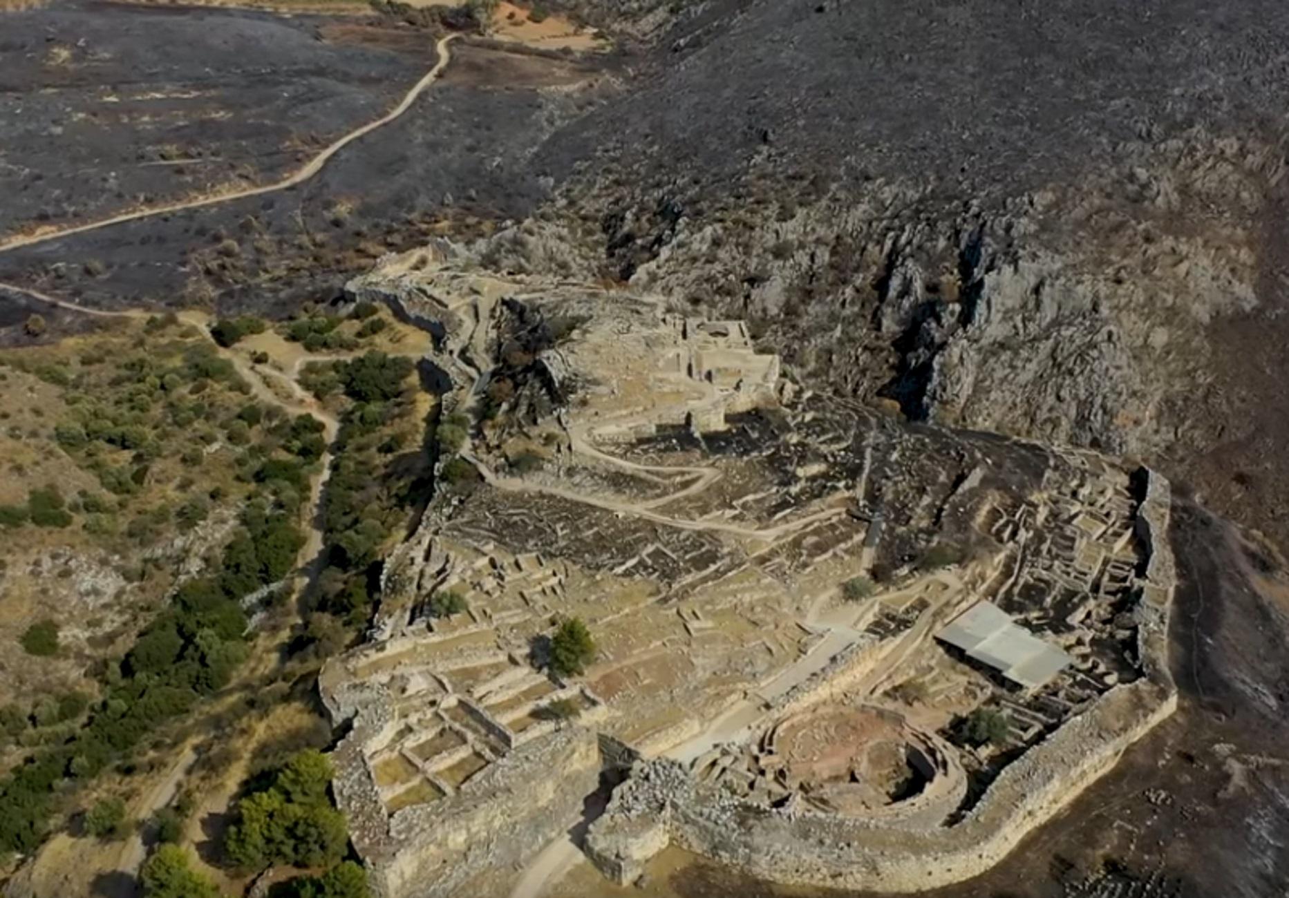 Μυκήνες: Το βασίλειο των λεόντων πριν και μετά τη φωτιά! Ξεσπάει διάσημος φιλέλληνας αρχαιολόγος (Βίντεο)