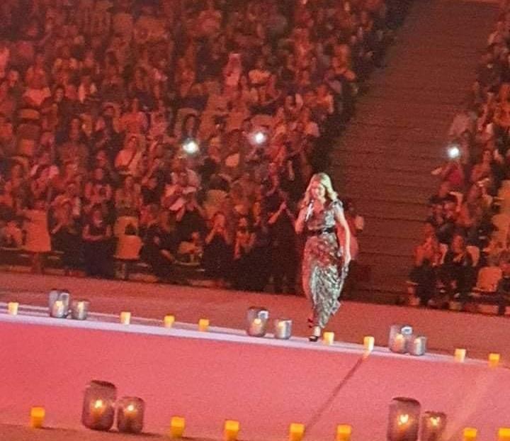Νατάσα Θεοδωρίδου: Σάλος από τις εικόνες συνωστισμού στην συναυλία της στο Κατράκειο