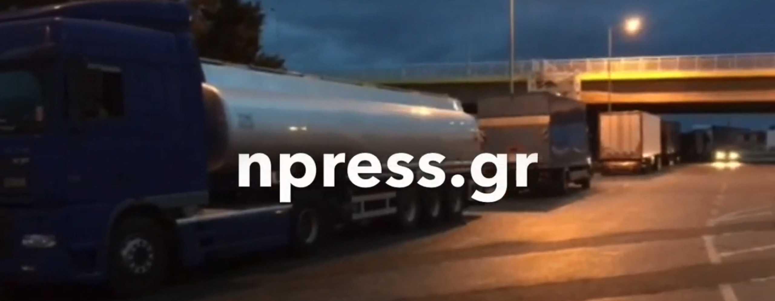Ιανός – Αντίρριο: Εγκλωβισμένοι δεκάδες οδηγοί φορτηγών (pic, video)