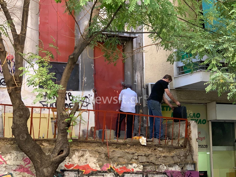 """""""Άδειασαν"""" και σφράγισαν υπό κατάληψη κτίριο στο Παγκράτι"""