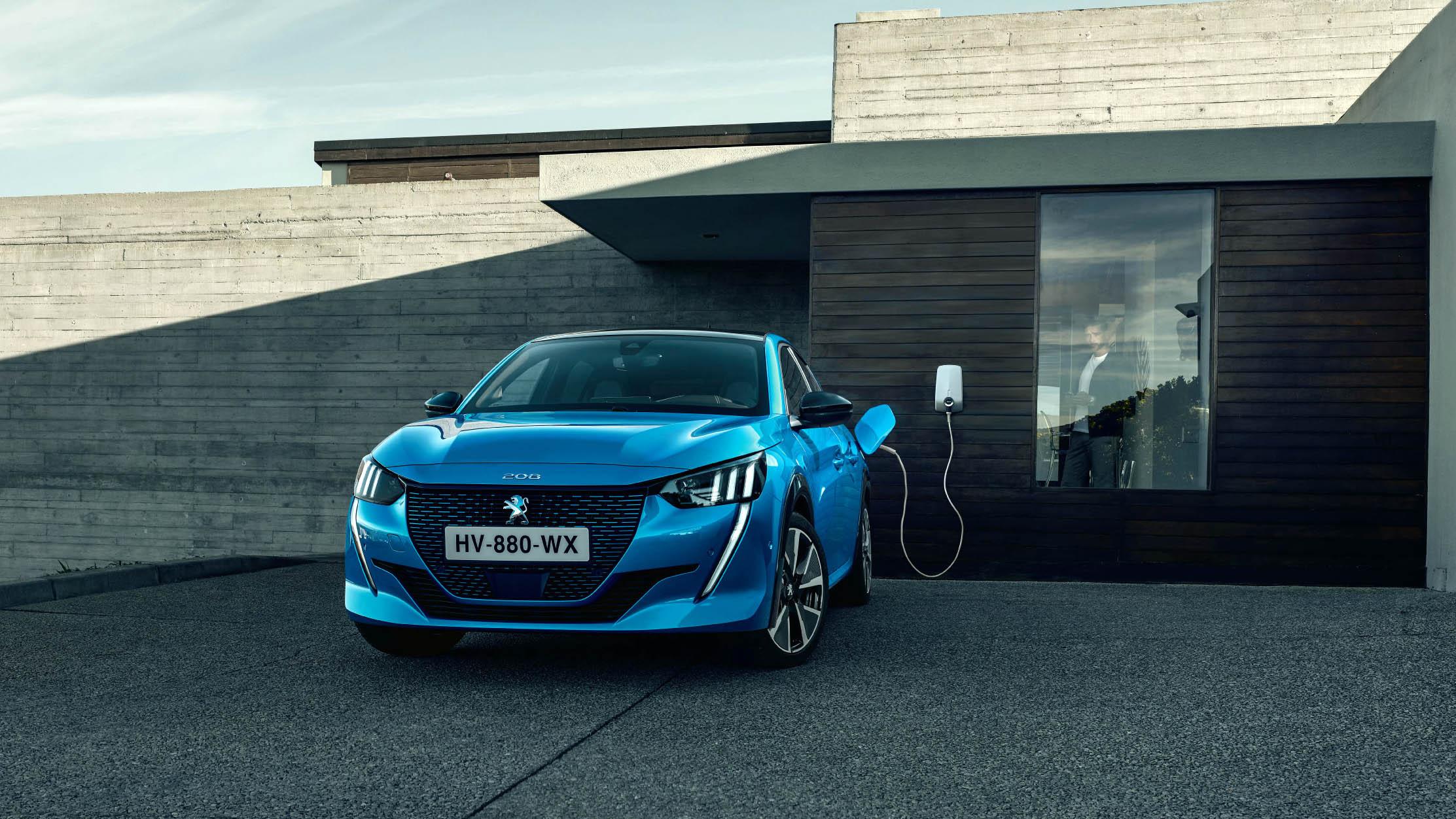 H Peugeot οδηγεί τις πωλήσεις των ηλεκτρικών αυτοκινήτων