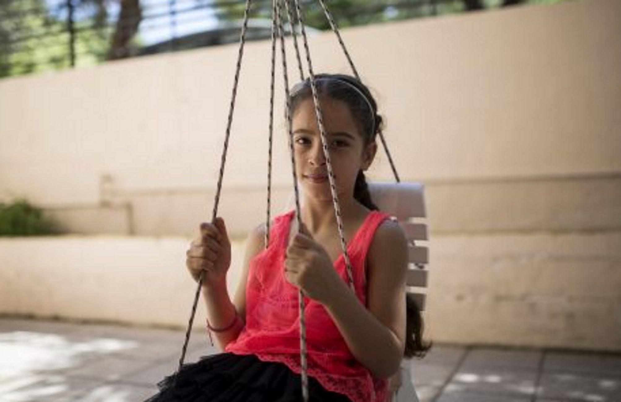Κρήτη: Χαμογελούν ξανά και αφήνουν πίσω τη φρίκη του πολέμου! Η απόγνωση έδωσε θέση στον ενθουσιασμό (Βίντεο)