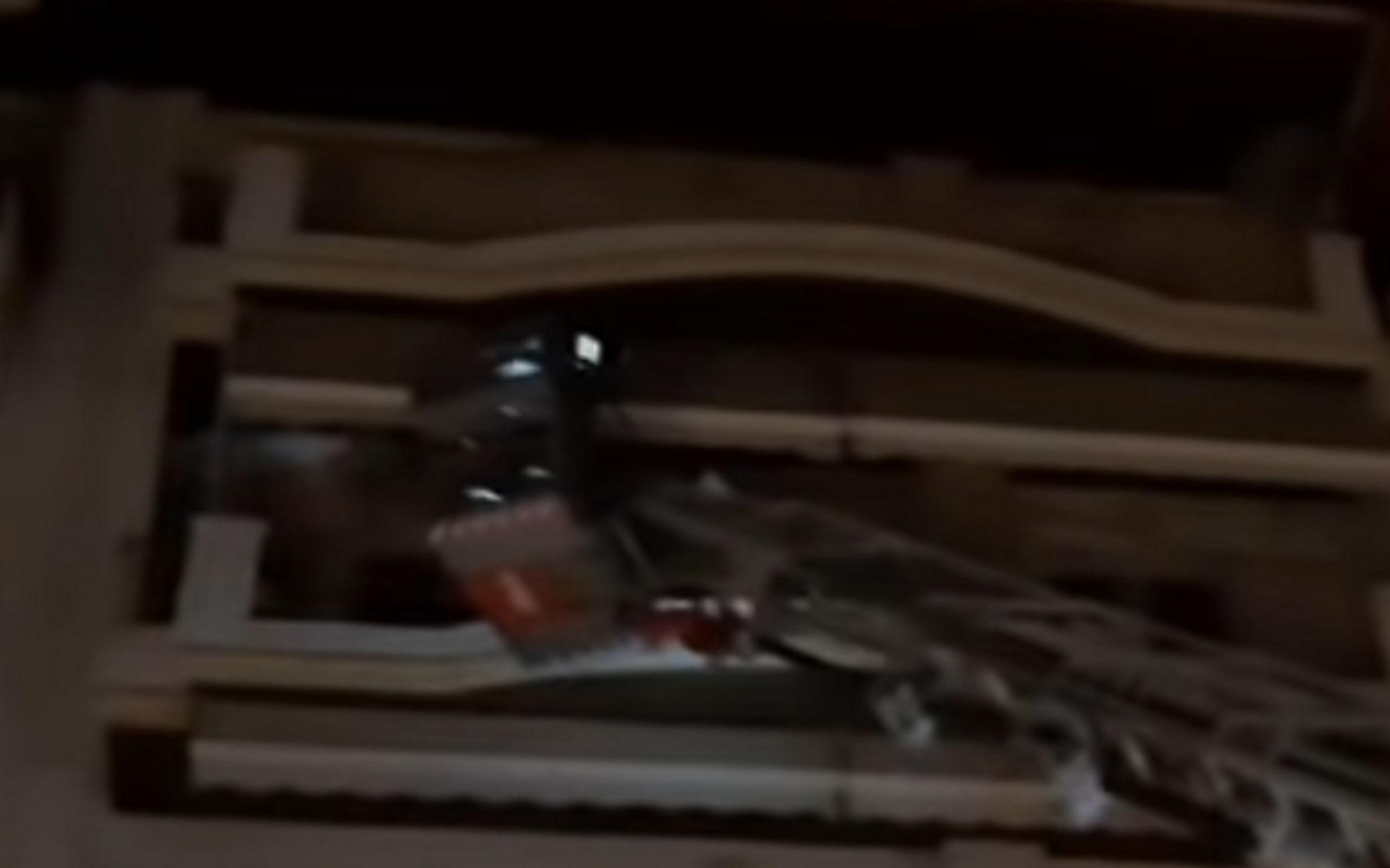 Πτολεμαϊδα: Οικογενειακό δράμα πίσω από τον πατέρα που απειλούσε να πετάξει το παιδί του από το μπαλκόνι (Βίντεο)