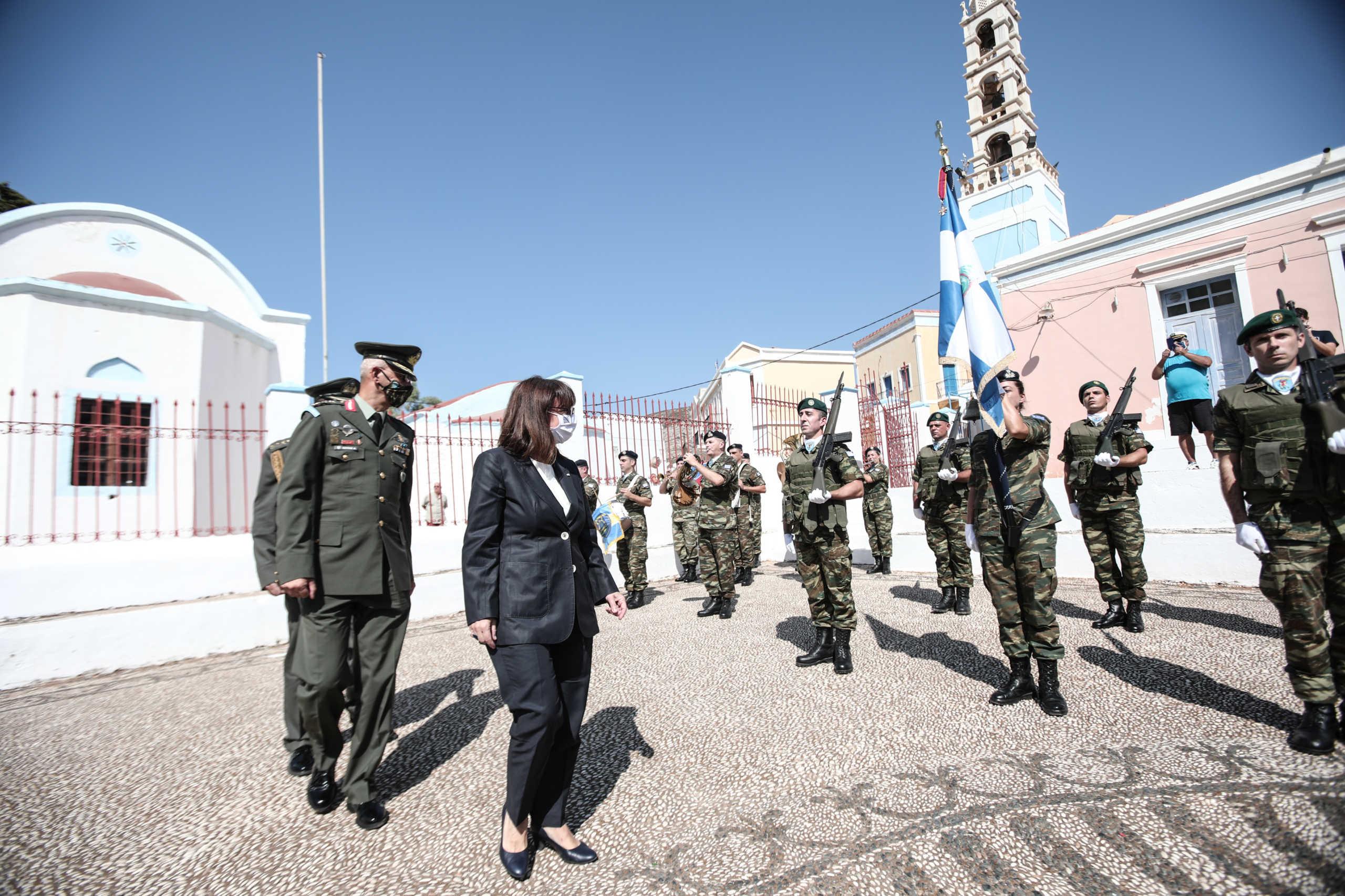 """Στο Καστελλόριζο η Σακελλαροπούλου και… απέναντι ο Ακάρ με μήνυμα """"ειρήνης"""""""