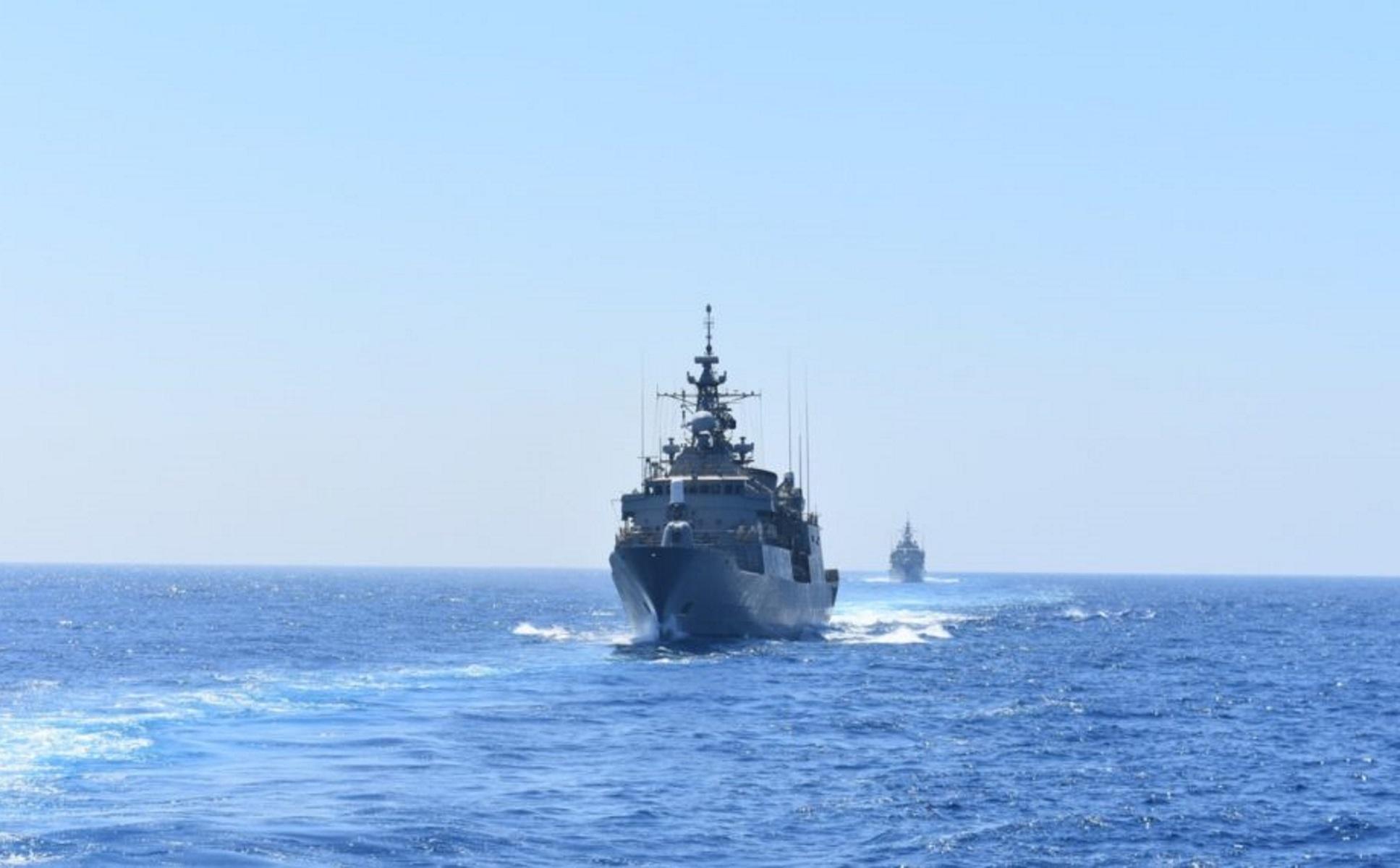 Ο τουρκικός στόλος ανάμεσα σε Ρόδο και Καστελλόριζο για άσκηση με πυρά