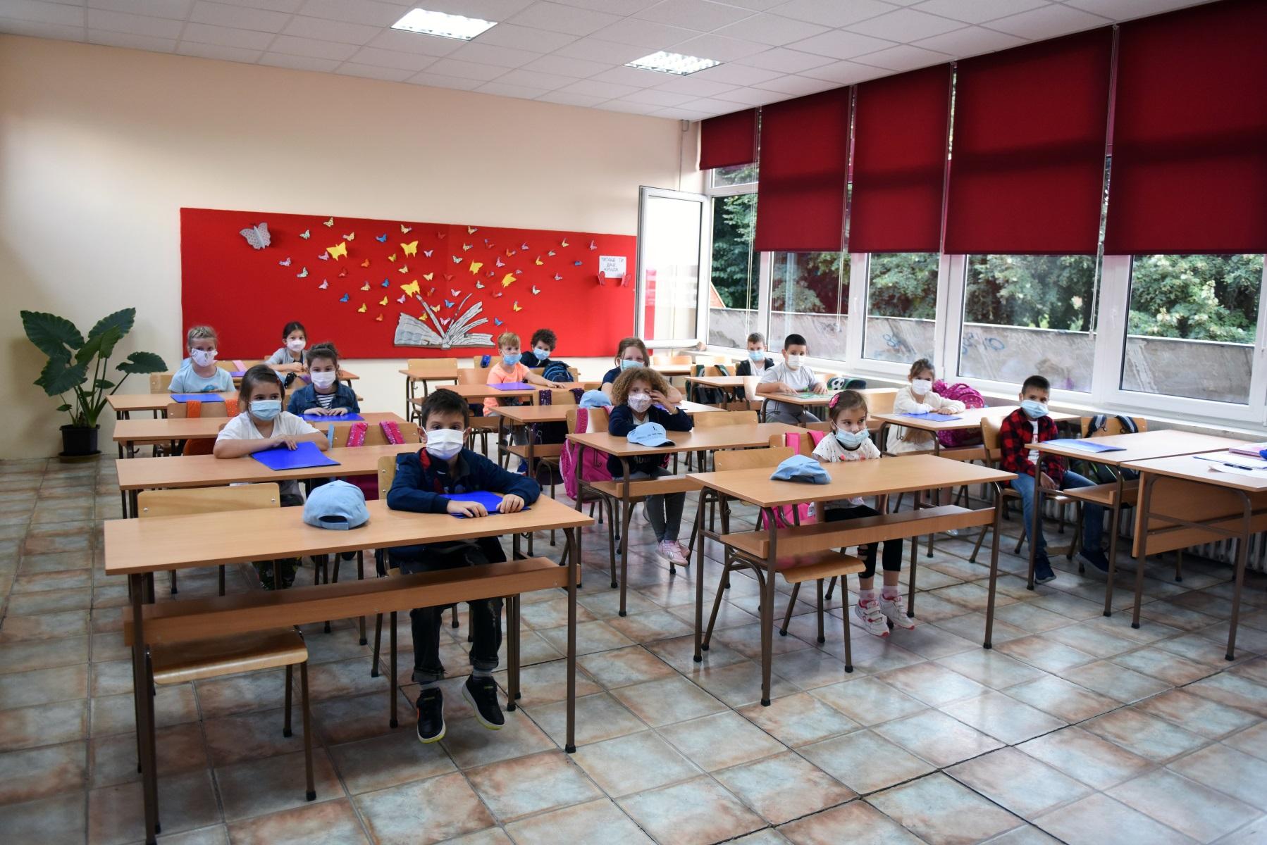 Πόσο συμβάλλουν στην εξάπλωση του κορονοϊού τα σχολεία; Τι «δείχνουν» έρευνες