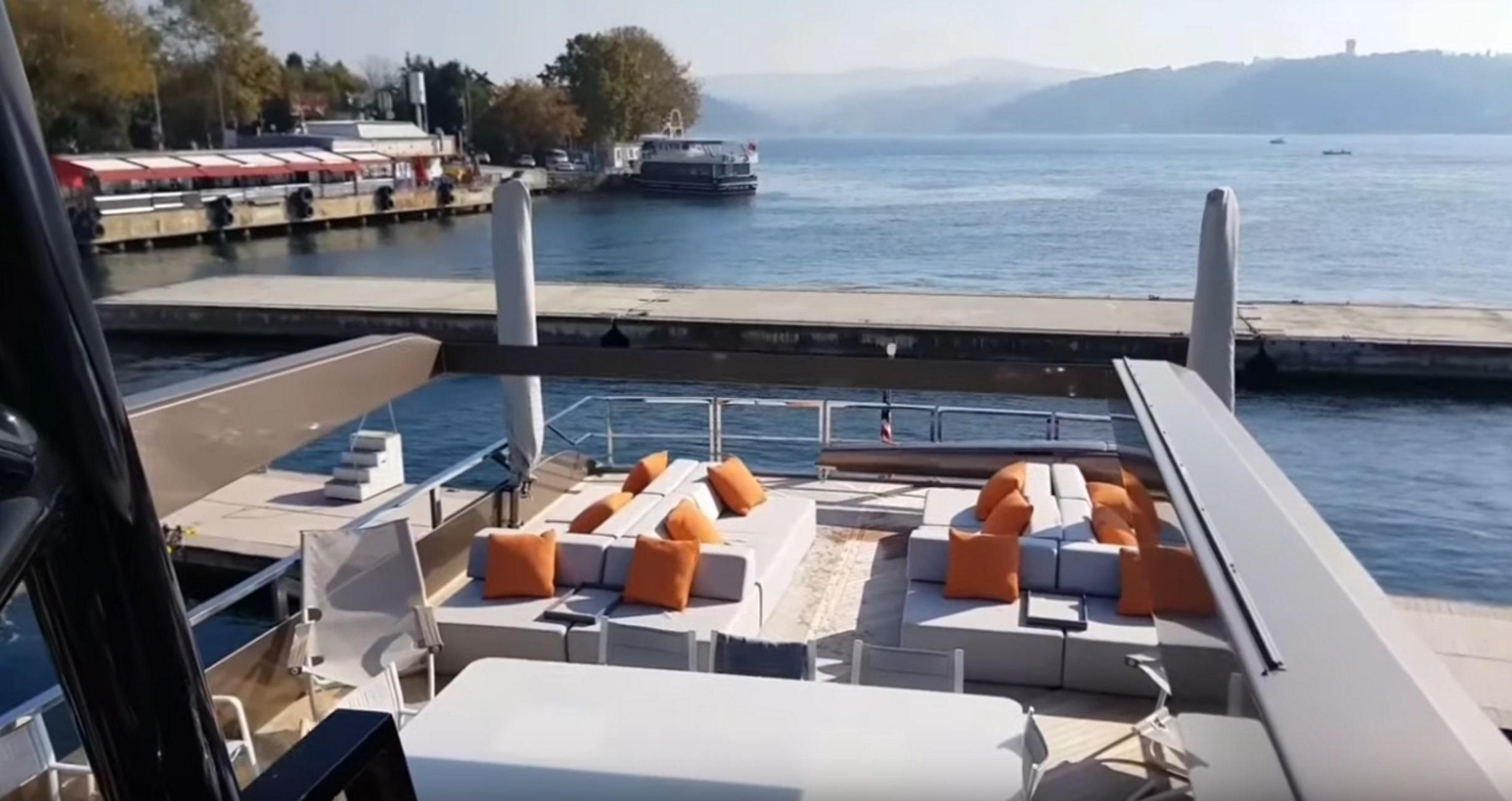Χανιά: Μπαίνουμε μέσα σε μια από τις πιο σύγχρονες και ακριβές θαλαμηγούς του κόσμου (Βίντεο)