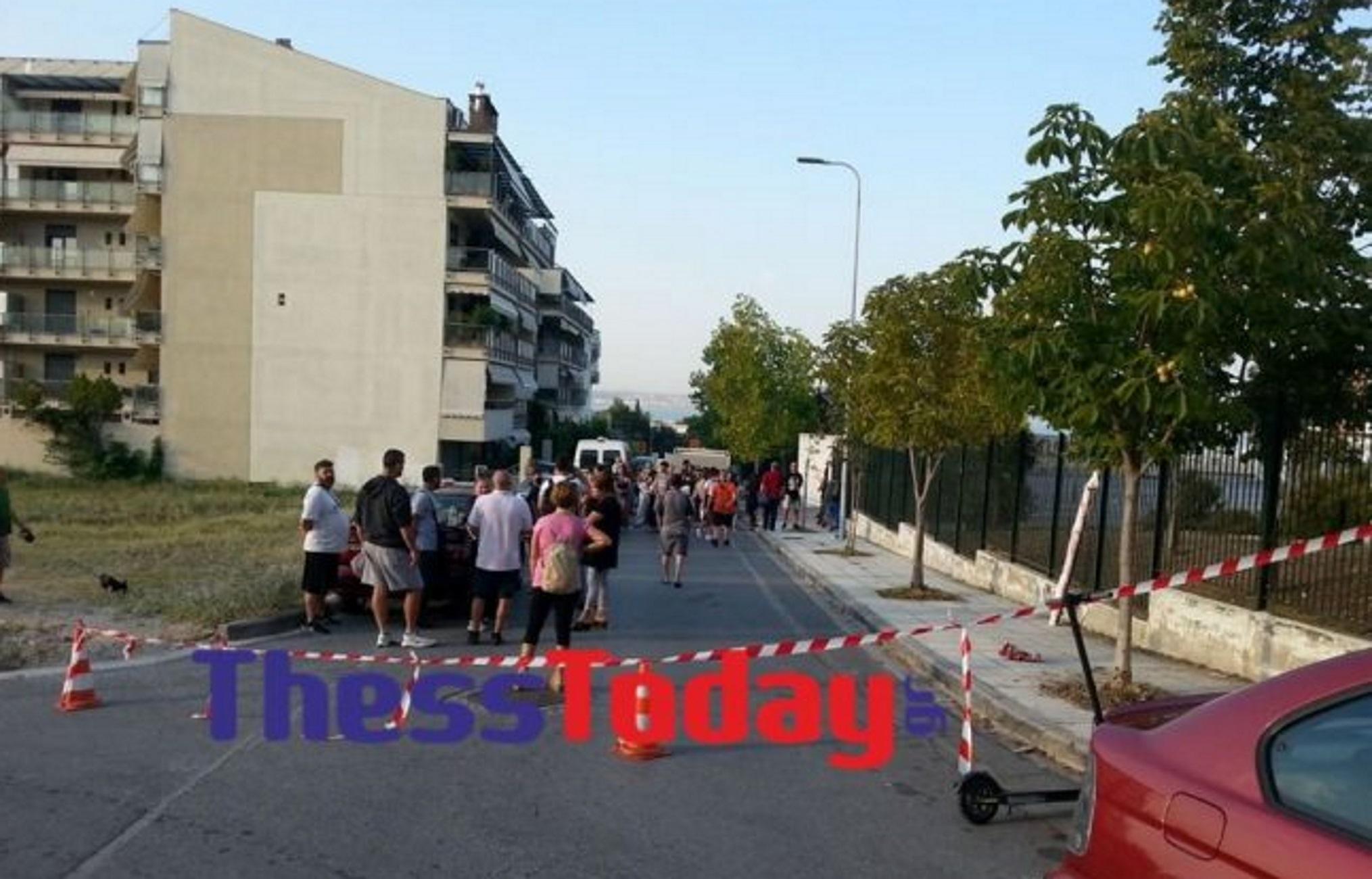 Θεσσαλονίκη: Καζάνι που βράζει το υπό κατάληψη σχολείο στην Καλαμαριά! ΜΑΤ ξανά απέναντι σε γονείς (Βίντεο)