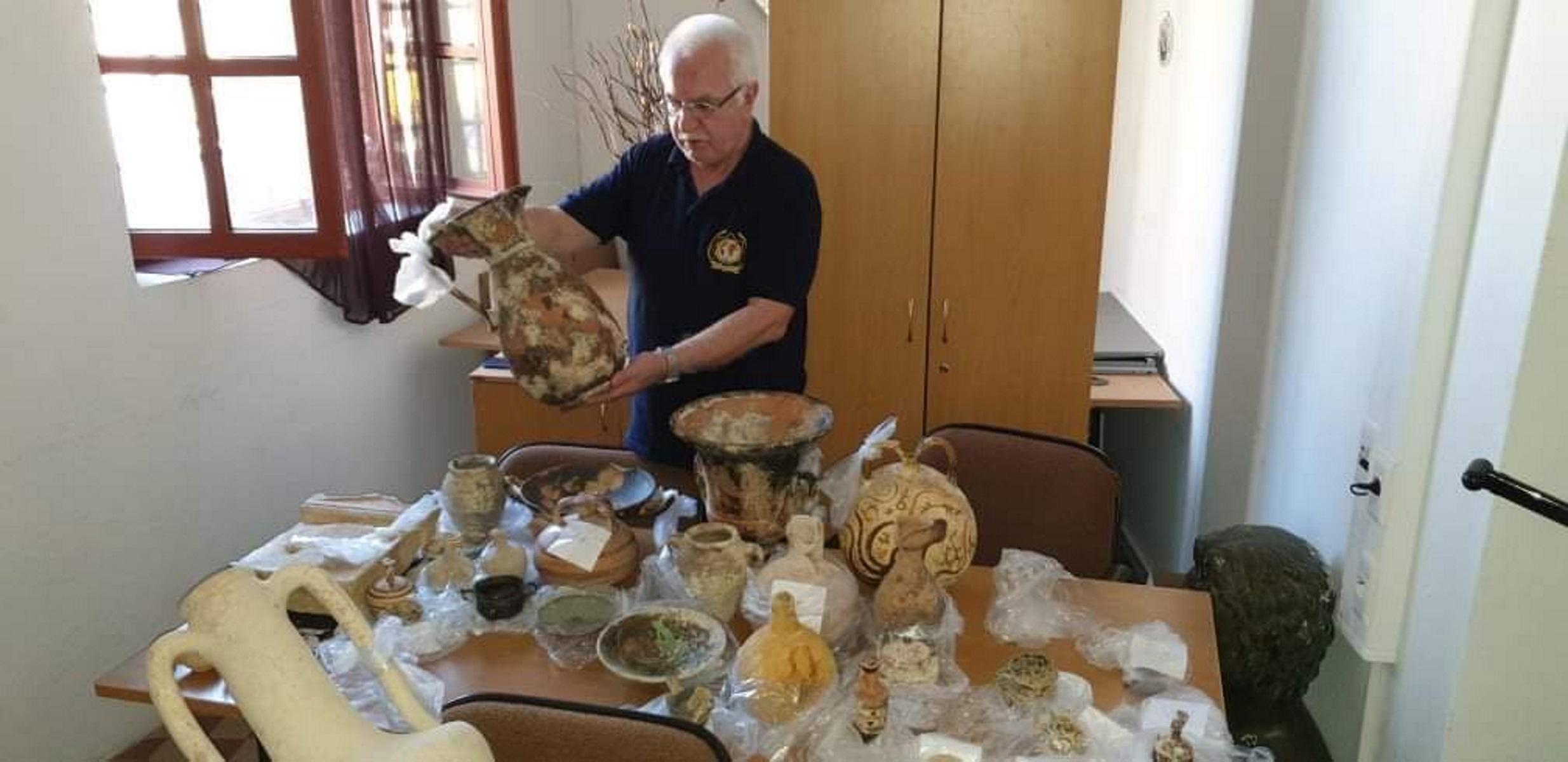 Ρόδος: Επιχειρηματίας έκρυβε θησαυρό αρχαιοτήτων στο σπίτι του – Πώς έφτασαν στη σύλληψή του