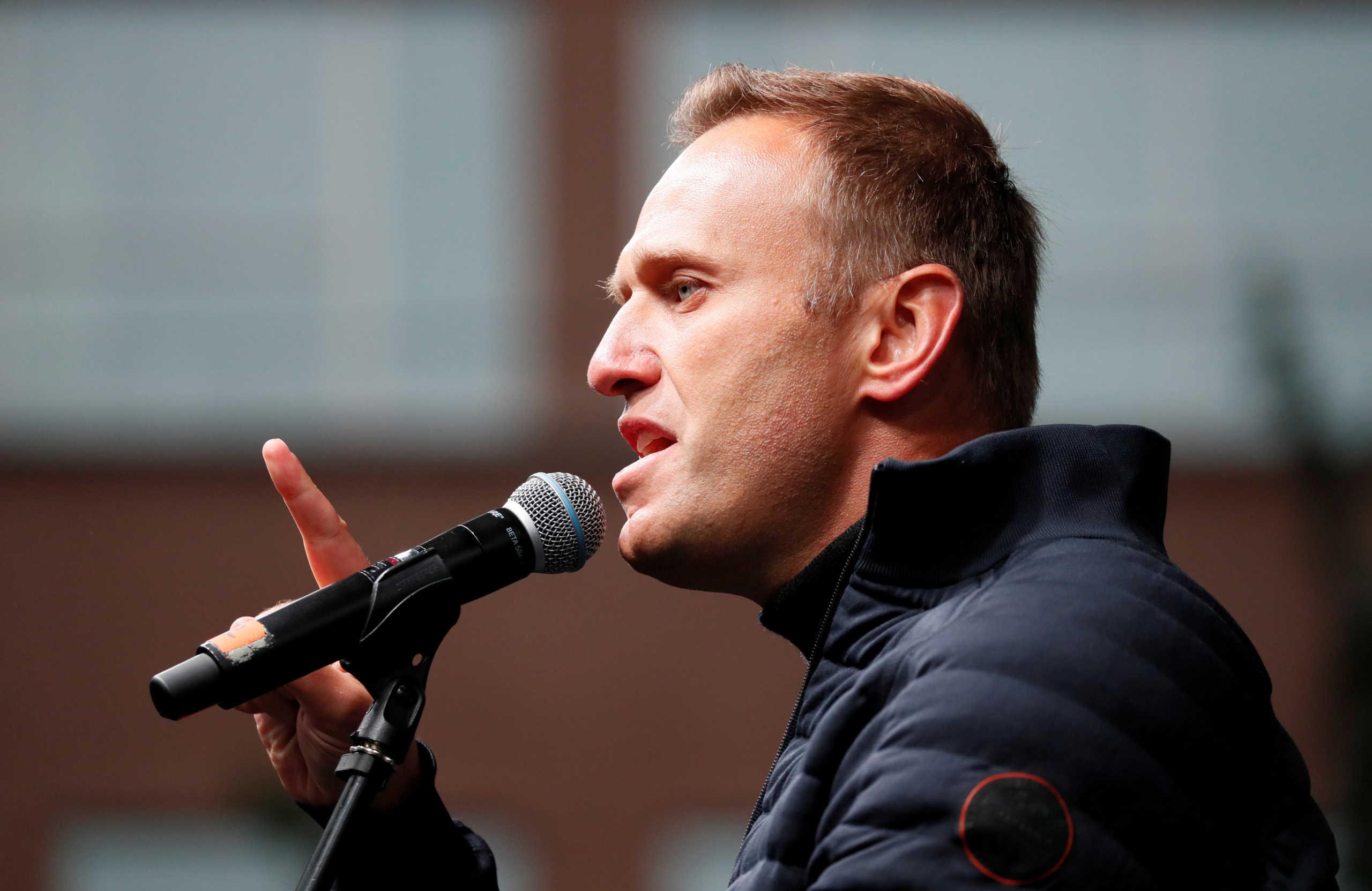 Ο Ναβάλνι θα συλληφθεί μόλις πατήσει το πόδι του στη Ρωσία – Κινδυνεύει με 3,5 χρόνια φυλάκιση