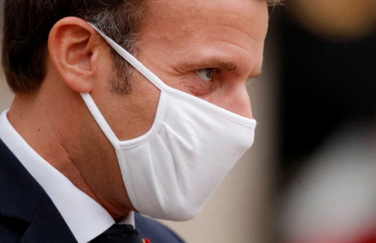 Γαλλία: Υποχρεωτική τηλεργασία, κυκλοφορία με βεβαιώσεις, κλείνουν τα σύνορα με χώρες