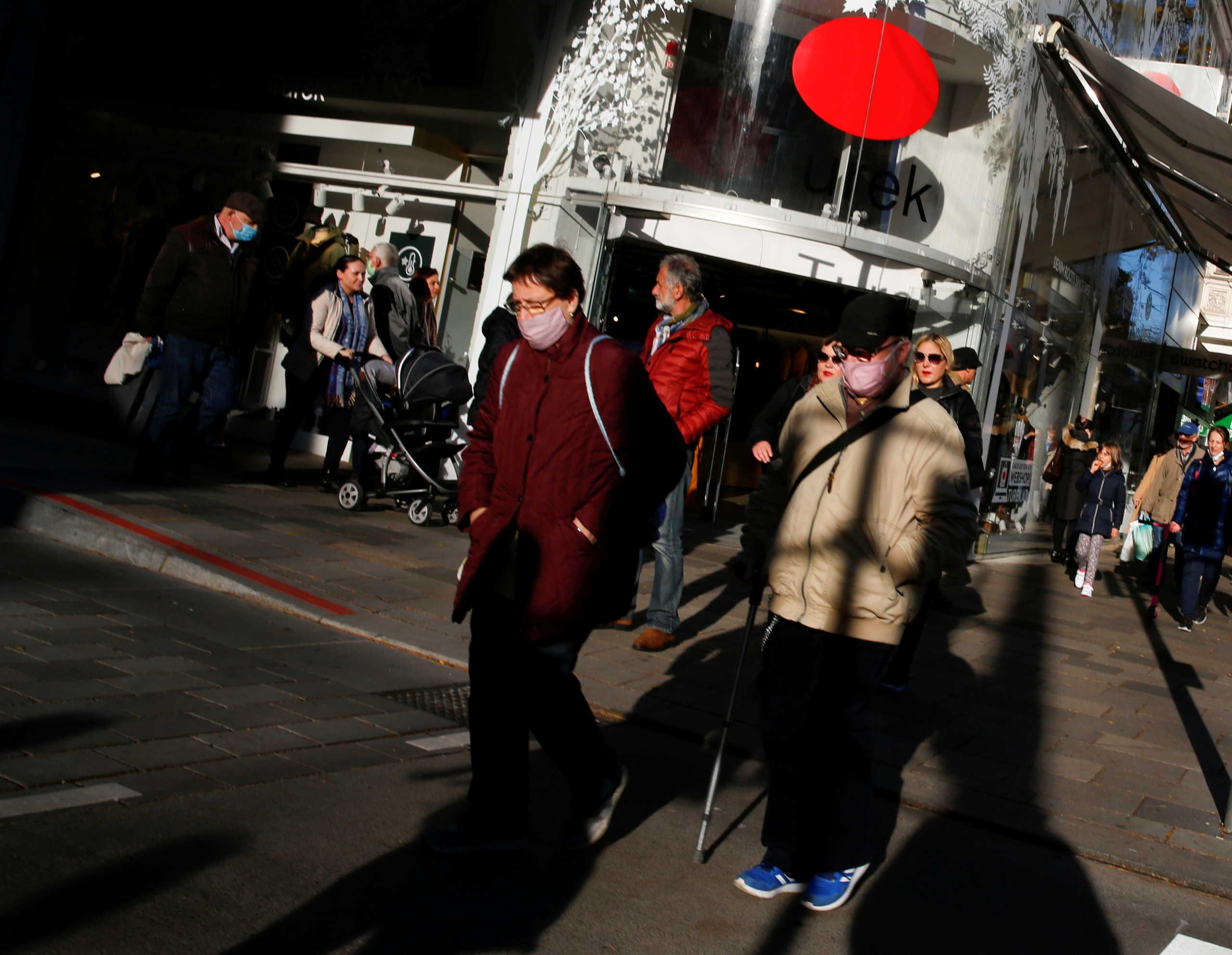 Κορονοϊός: Μέτρα που θα… θυμίζουν lockdown ετοιμάζει η Αυστρία