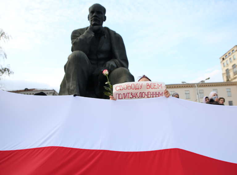 """Λευκορωσία: """"Έφαγαν πόρτα"""" στα σύνορα γιατί ήταν… γεροδεμένοι"""