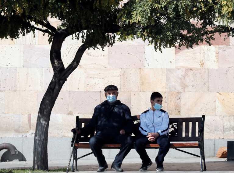"""Κορονοϊός: """"Προεόρτια"""" στην Κύπρο – Μάσκα παντού και απαγόρευση κυκλοφορίας σε Λεμεσό και Πάφο"""