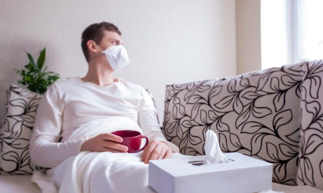 Κορονοϊός: Υποφέρουν για μήνες και οι νέοι που αρρωσταίνουν