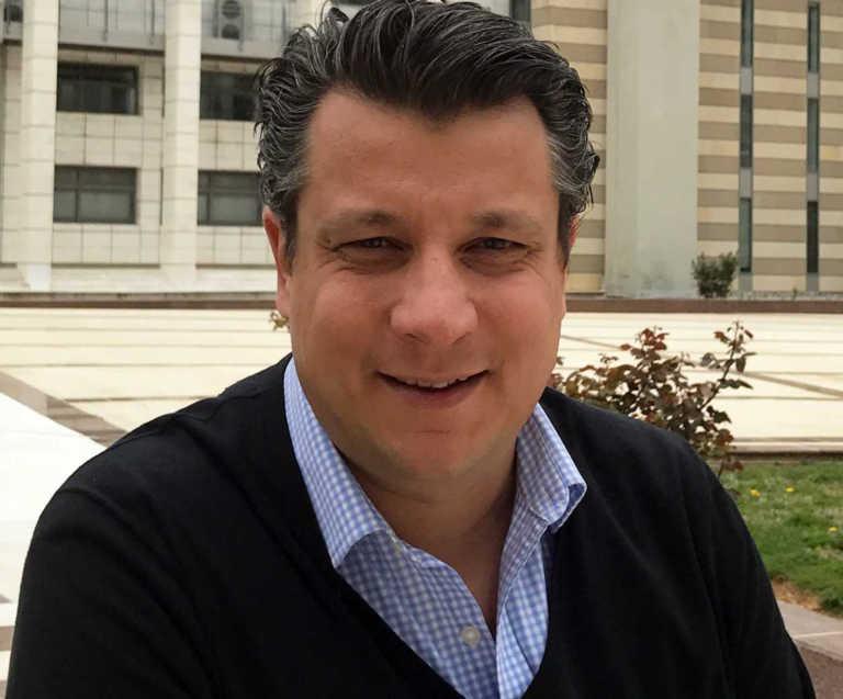 Δερμιτζάκης: Ίσως το εμβόλιο να μην «πιάνει» κάποιες μεταλλάξεις του κορονοϊού