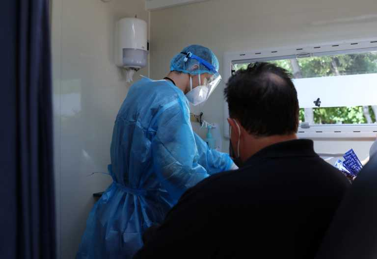 Σέρρες: Μια ανάσα από το lockdown – 13 κρούσματα σε γηροκομείο, 7 ηλικιωμένοι στο ΑΧΕΠΑ