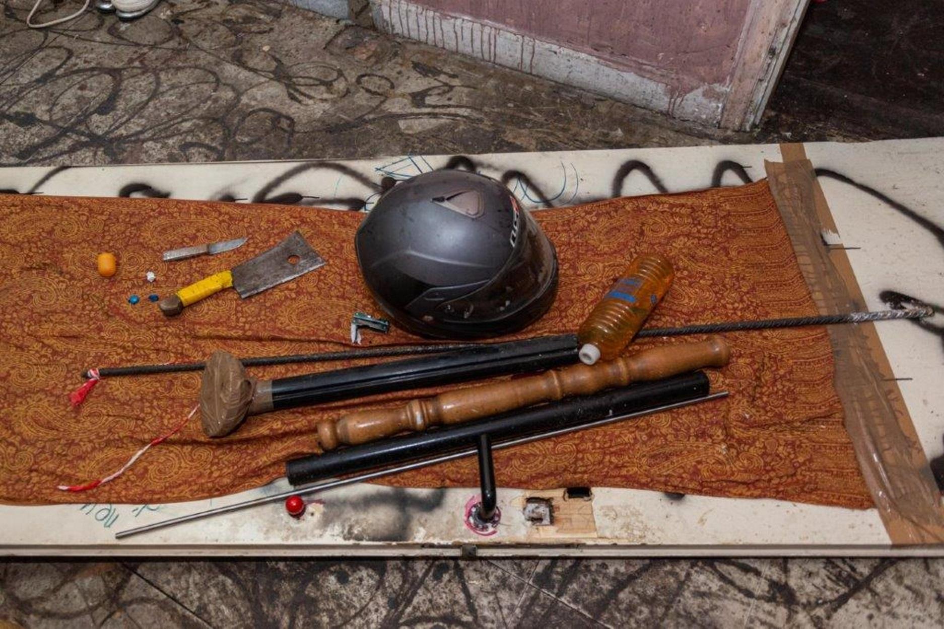 Εξάρχεια: Τι βρήκαν οι αστυνομικοί στην επιχείρηση εκκένωσης κτιρίου (pics)