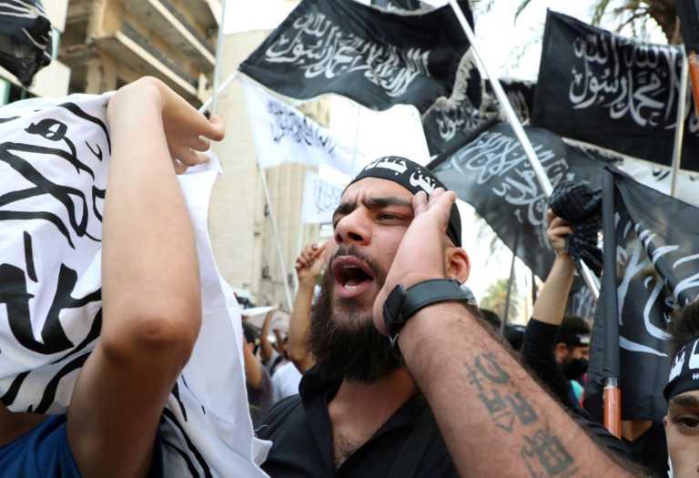 Συνελήφθη Μαροκινός που εξυμνούσε τον αποκεφαλισμό του καθηγητή στο Παρίσι