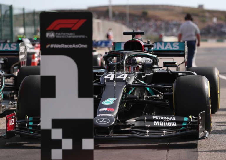 Formula 1 – Χάμιλτον: Στην… pole position για να προσπεράσει τον Σουμάχερ (video)
