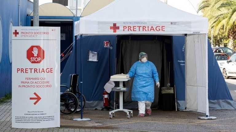 """Ο κορονοϊός """"λυγίζει"""" την Ιταλία: 217 νεκροί και 27.000 νέα κρούσματα – 13,3% """"θετικοί"""" στα τεστ"""
