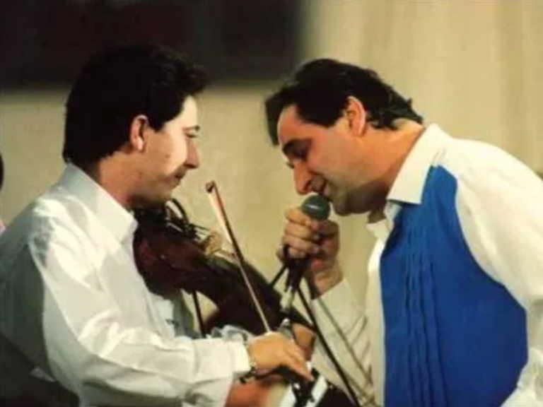 """Ζήσης Κασιάρας: Ο Βασίλης Καρράς μιλά για τον κορυφαίο βιολιστή που """"έφυγε"""" νικημένος από κορονοϊό"""