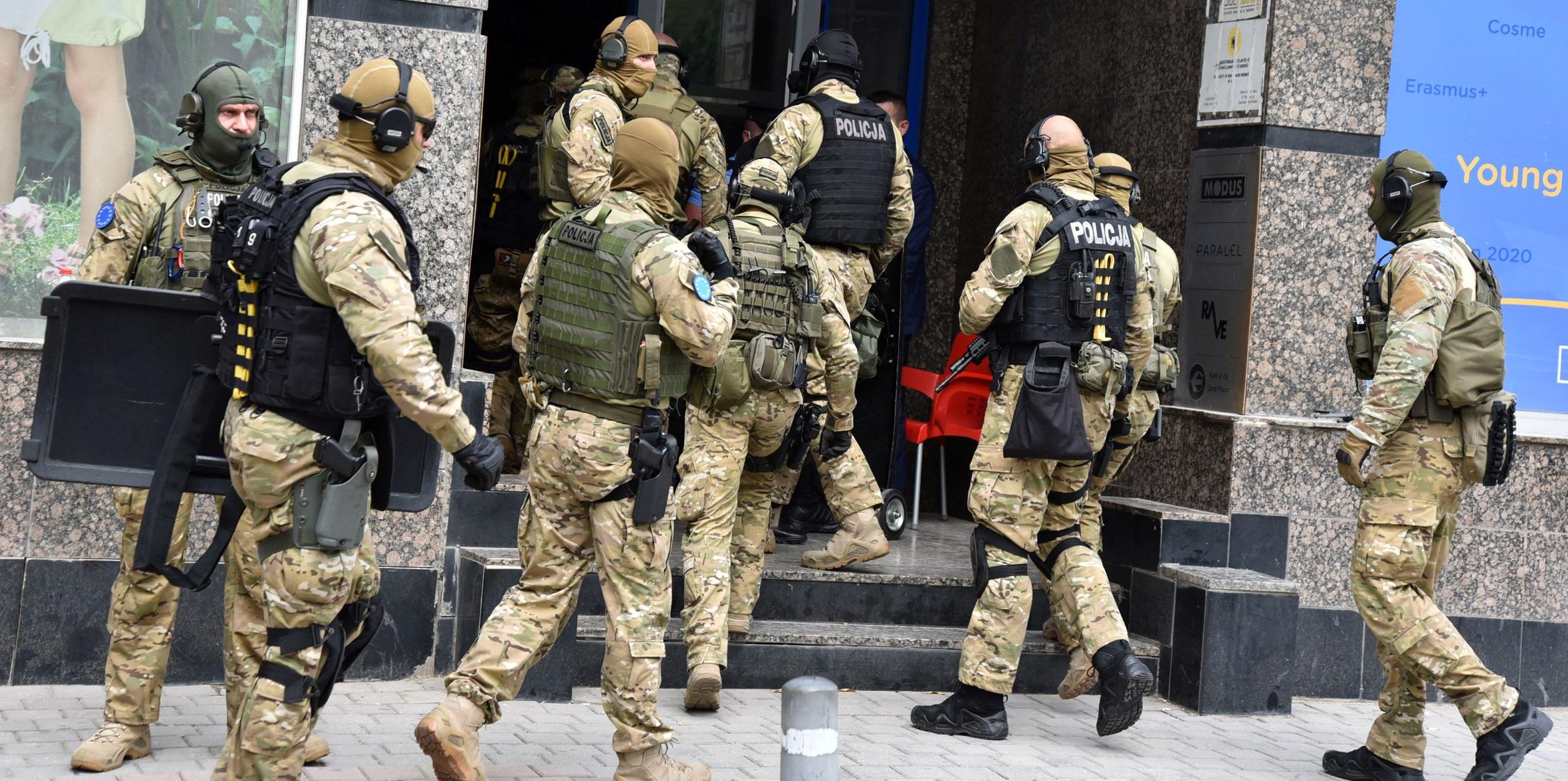 στρατιώτες στο Κόσοβο
