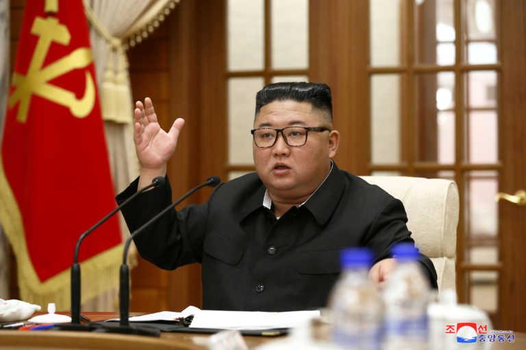 CBS: «Ο Κιμ Γιονγκ Ουν διέταξε εκτελέσεις για να φρενάρει τον κορονοϊό»!