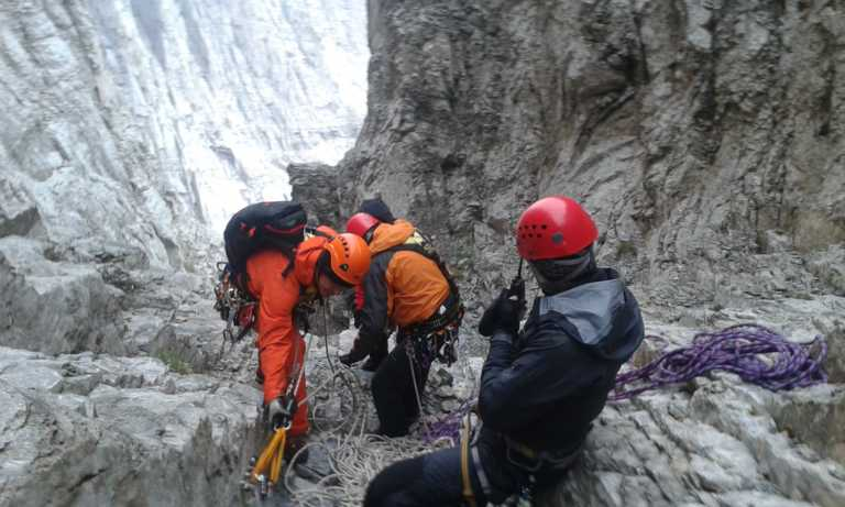 Συγκλονιστικές περιγραφές ομάδας της ΕΜΑΚ για τις επιχειρήσεις διάσωσης ορειβατών στον Όλυμπο