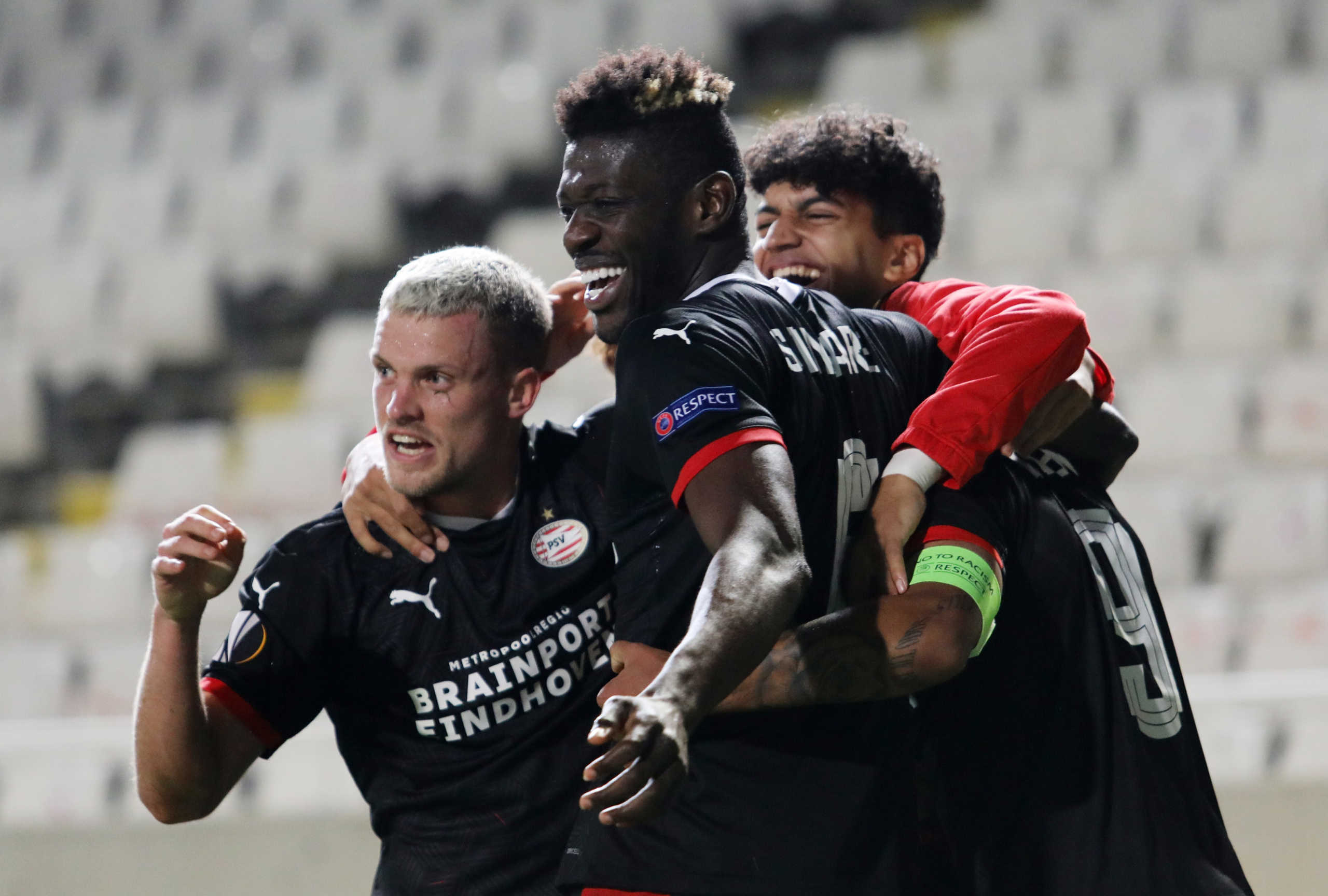 "Europa League: ""Διπλό"" με… buzzer beater για την Αϊντχόφεν! ""Γκέλα"" για Ρόμα στο ""Ολίμπικο"" (videos)"