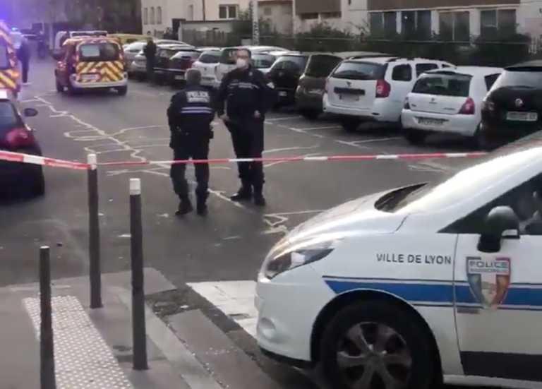 """Χειρουργείται ο ελληνορθόδοξος ιερέας που δέχθηκε επίθεση στη Λιόν – """"Εξετάζονται όλα τα σενάρια"""""""
