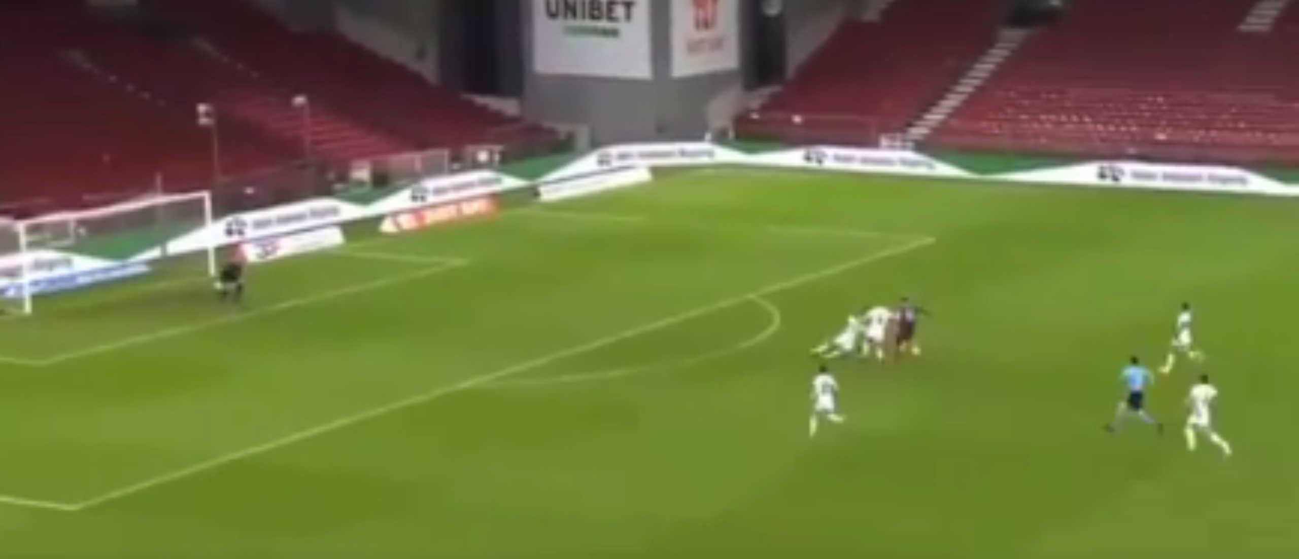 Το αυτογκόλ του… αιώνα σε ματς του Europa League (video)