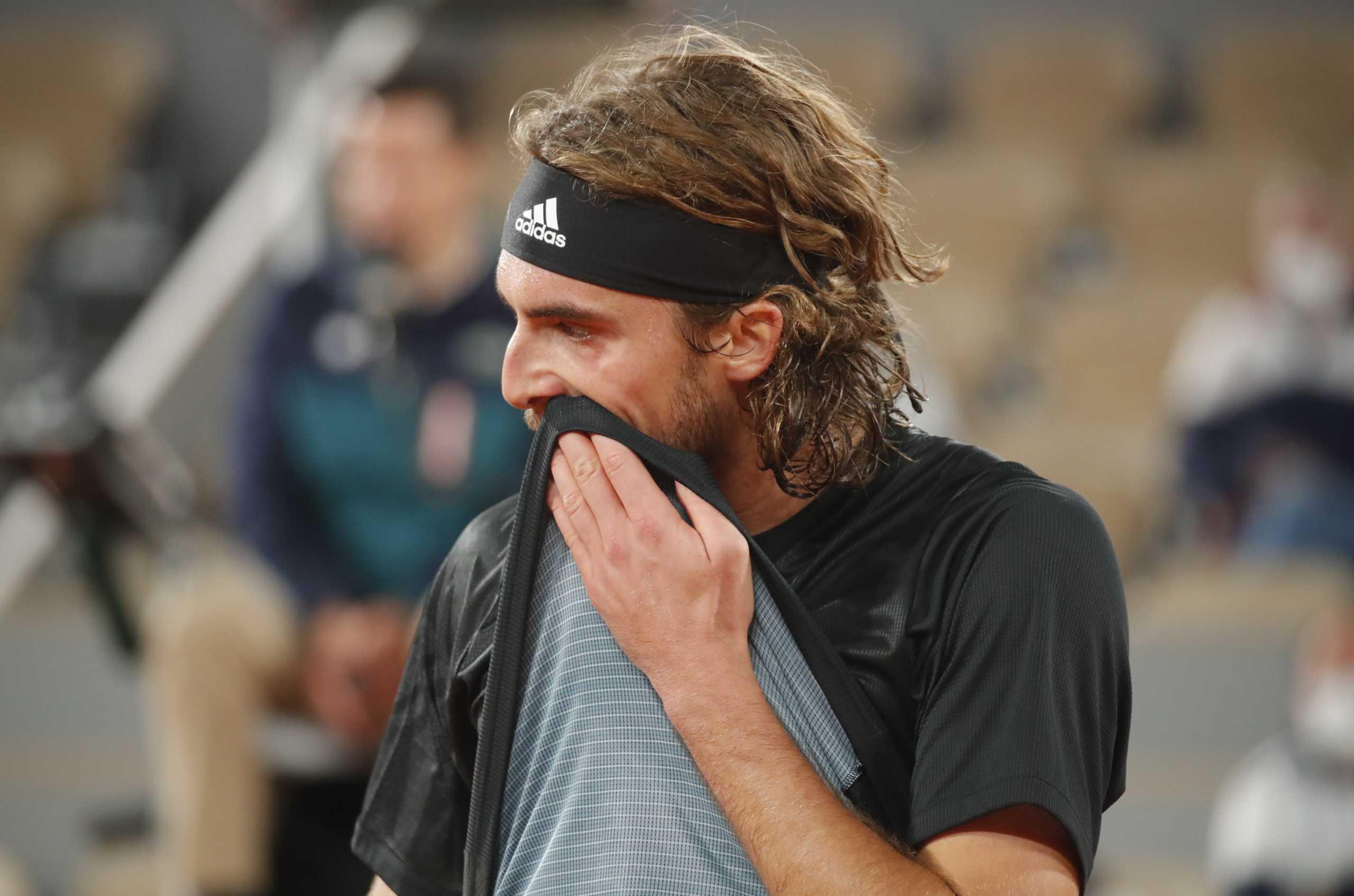 """""""Παλικάρι"""" ο Τσιτσιπάς! """"Λύγισε"""" από τον Τζόκοβιτς στο 5ο σετ και έμεινε εκτός τελικού στο Roland Garros"""