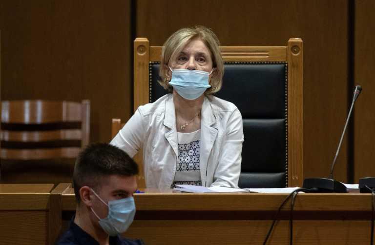Δίκη Χρυσής Αυγής: Έργα και ημέρες της εισαγγελέως Αδαμαντίας Οικονόμου – Οι τρεις προτάσεις που πάγωσαν το ακροατήριο