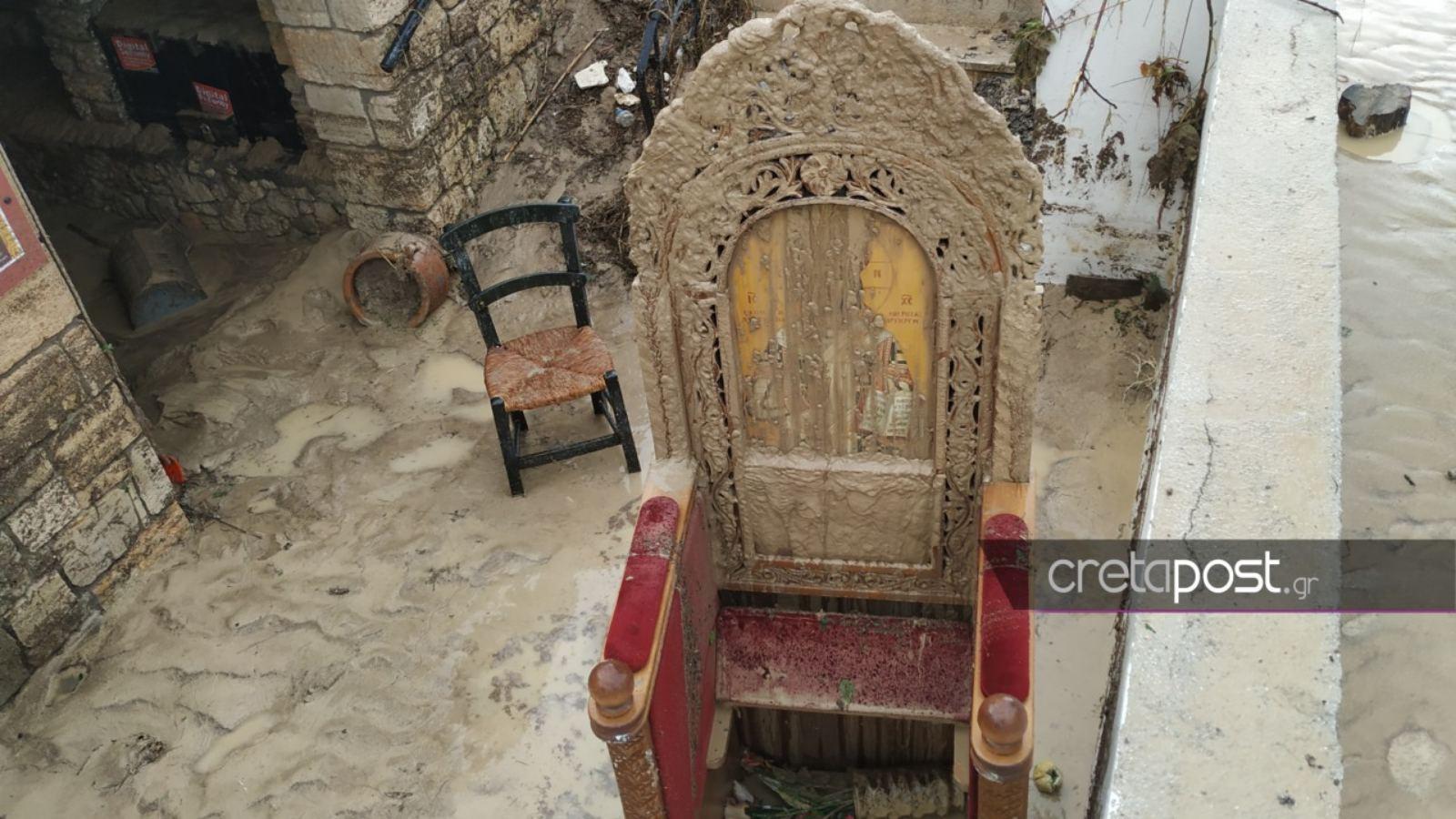 """Ηράκλειο: """"Βυθίστηκε"""" στη λάσπη το ξωκλήσι του Αγίου Ιωάννη στον Καρτερό – Εικόνες βιβλικής καταστροφής"""