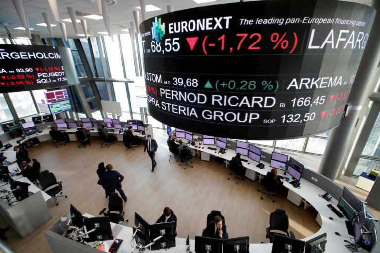 Ισχυρές πιέσεις σε αγορές μετοχών και ομολόγων – Οι επιπτώσεις της πανδημίας στο δημόσιο χρέος