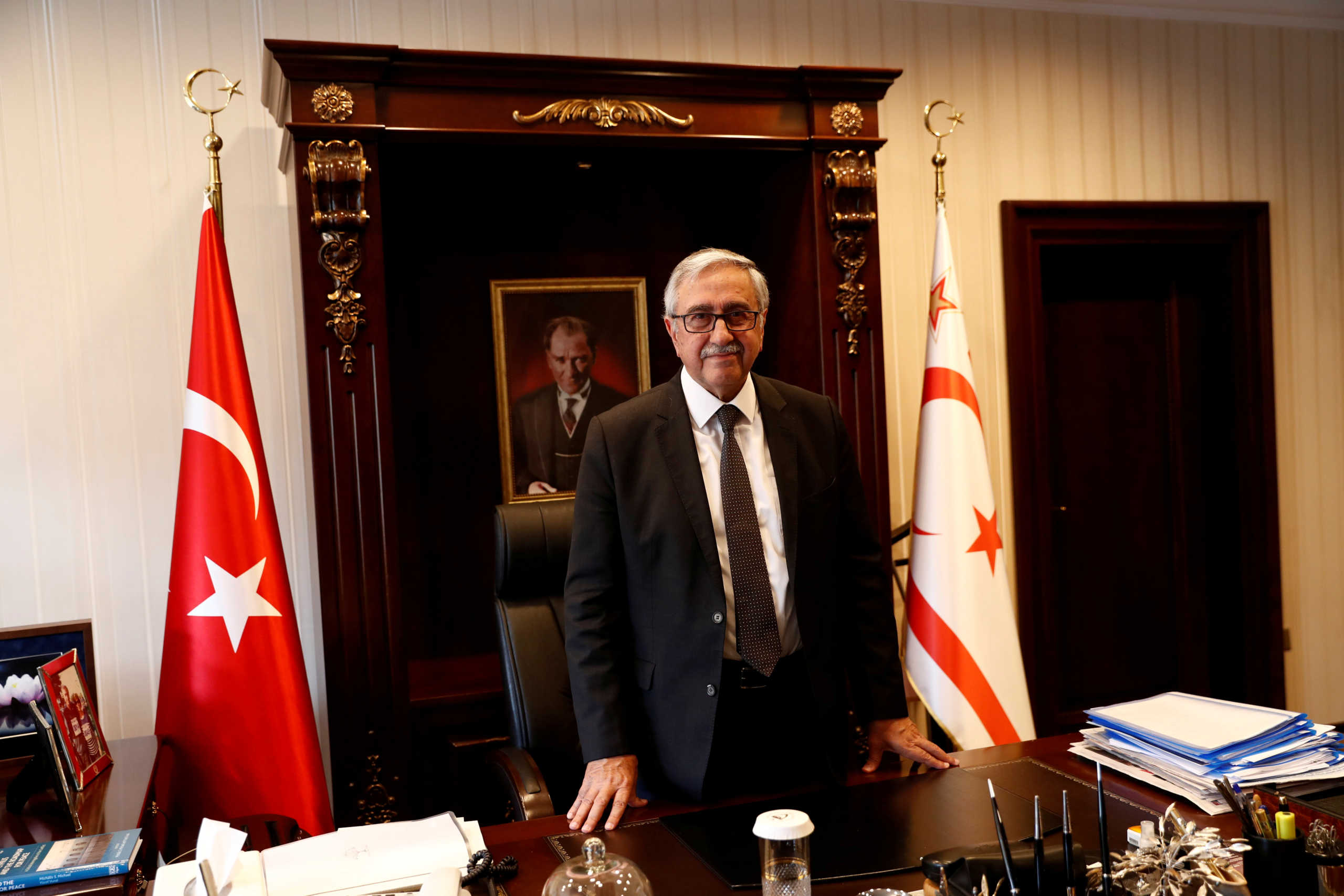 Κύπρος: Ερσίν Τατάρ και Μουσταφά Ακιντζί στον δεύτερο γύρο των «εκλογών» στα κατεχόμενα