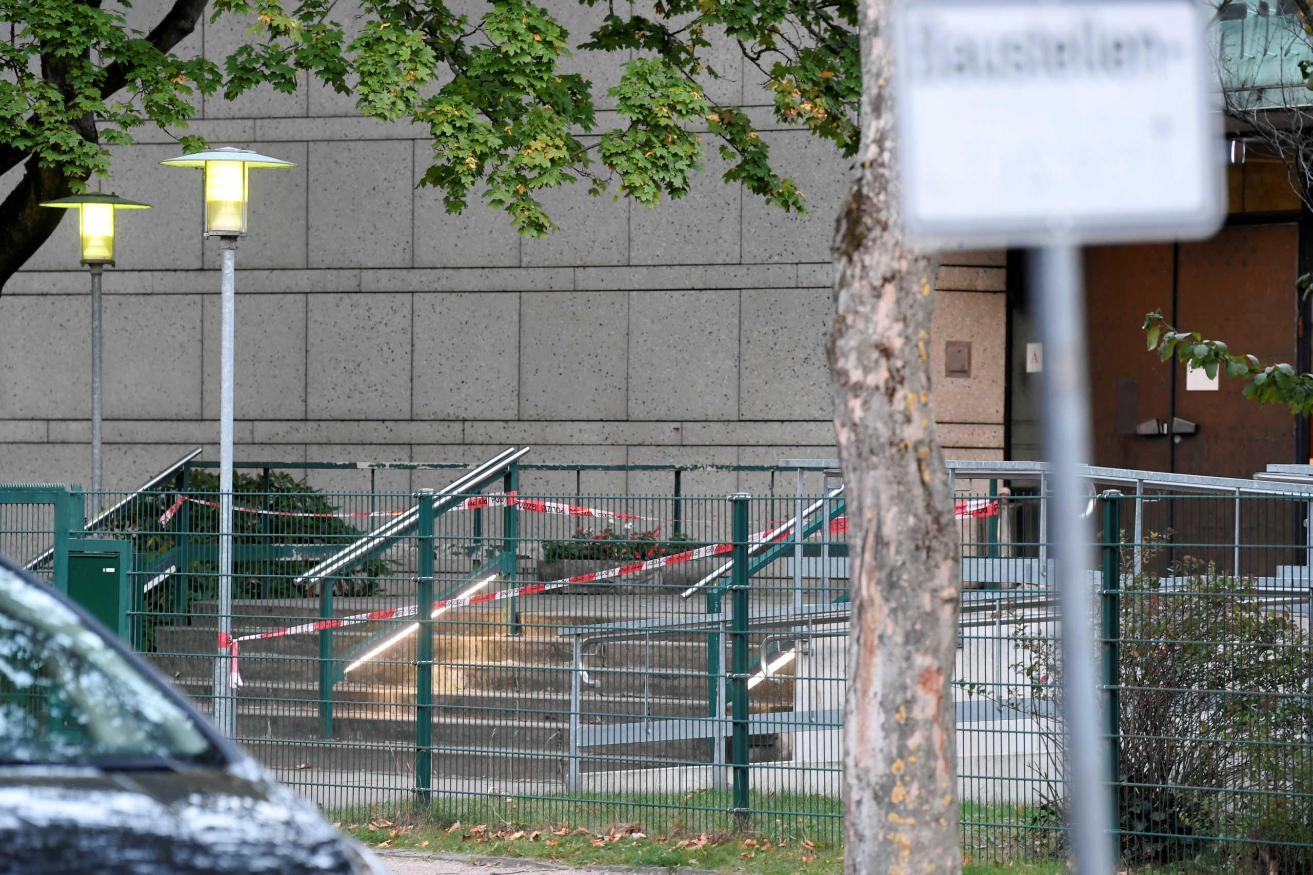 Αμβούργο: Επίθεση με μαχαίρι σε συναγωγή – Ένας τραυματίας (pics)