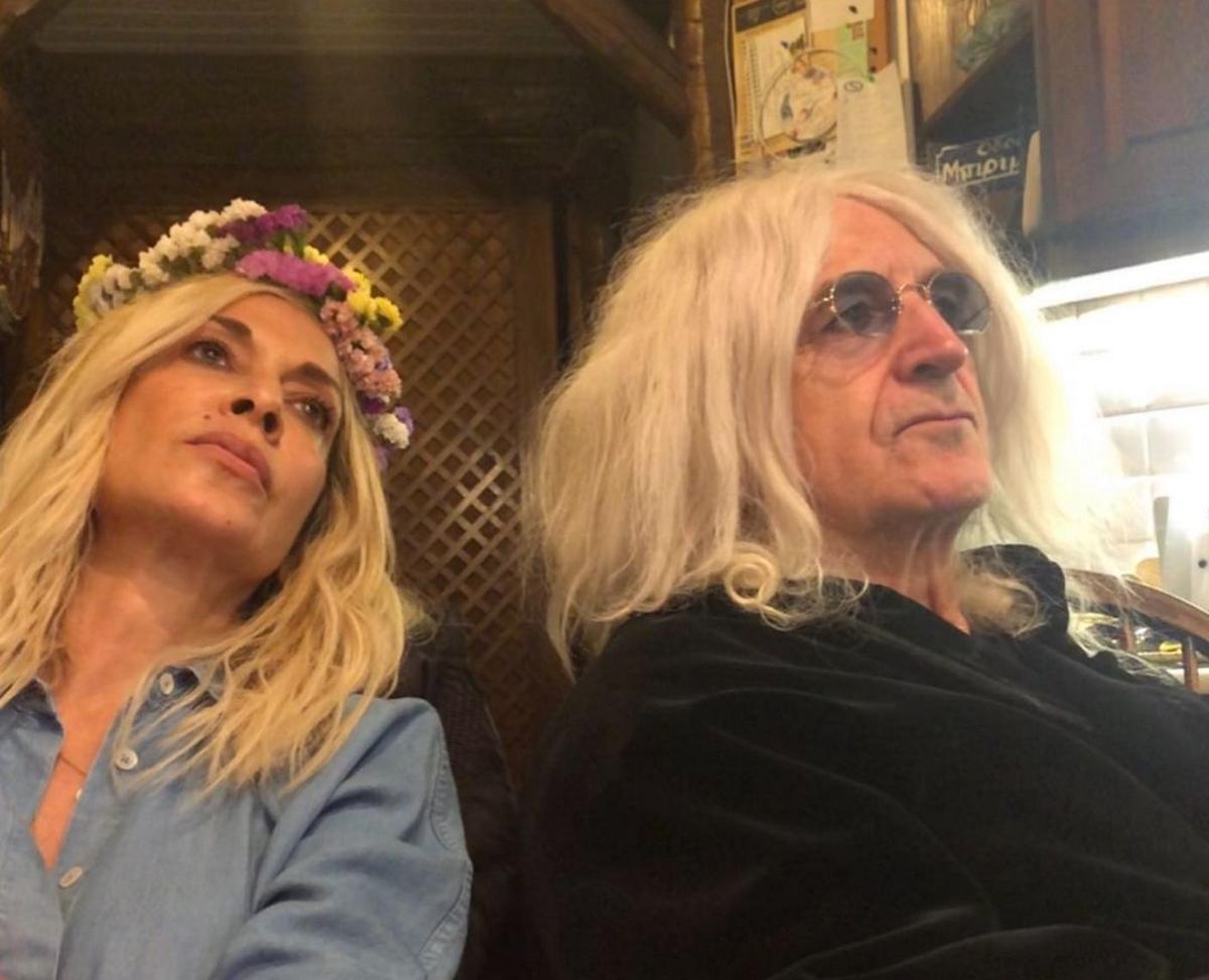 Νίκος Καρβέλας: Ποζάρει με smokey eyes, στο πλευρό της Άννας Βίσση (pics)