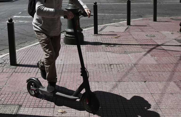 Χαλκίδα: Την τραυμάτισε με ηλεκτρικό πατίνι και εξαφανίστηκε