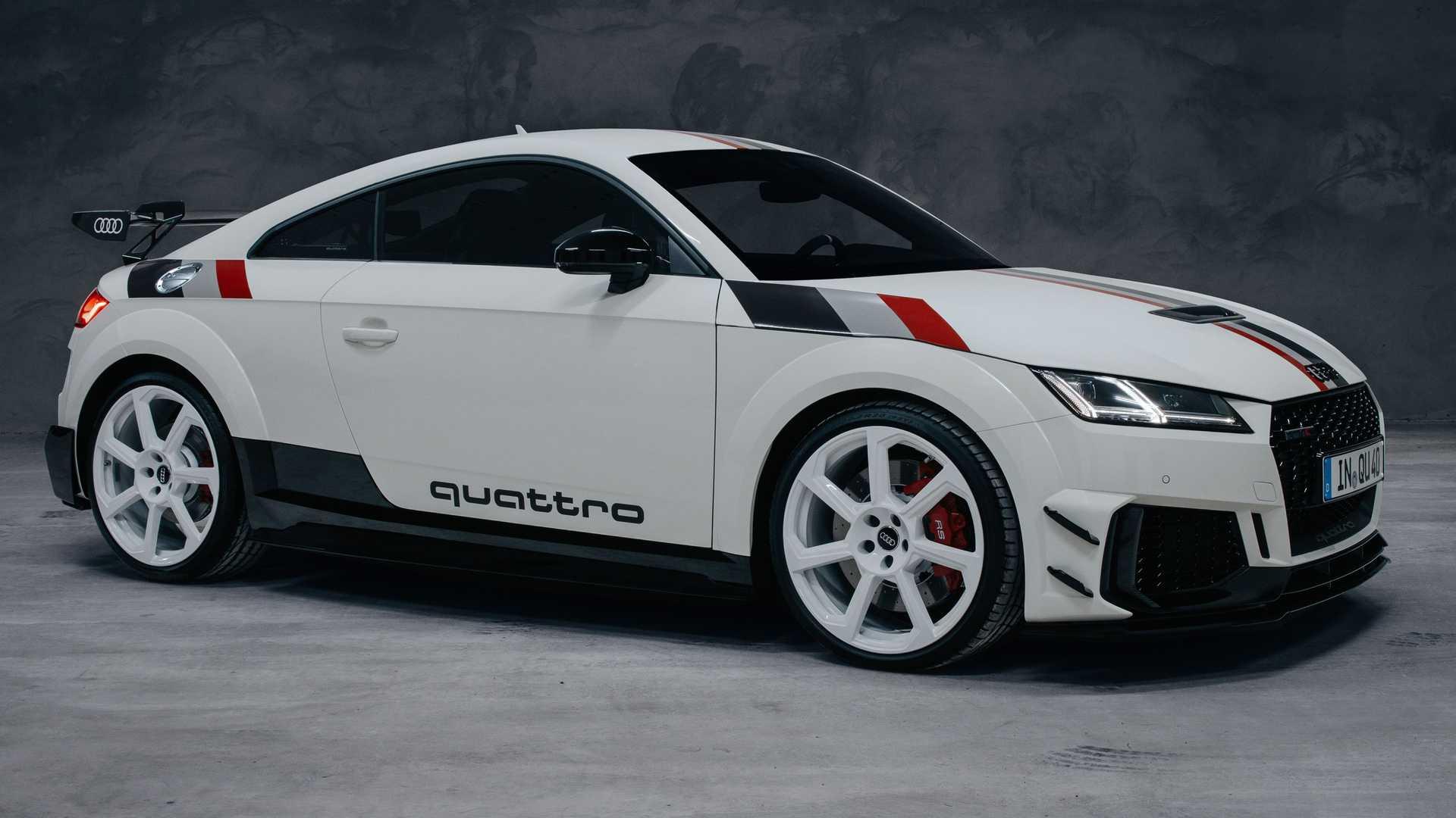 H Audi γιορτάζει τα 40 χρόνια του quattro με ένα συλλεκτικό TT RS [pics]