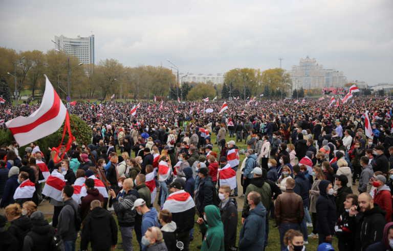 Πάλι χάος στη Λευκορωσία – Συλλήψεις δεκάδων διαδηλωτών και χρήση δακρυγόνων από την αστυνομία