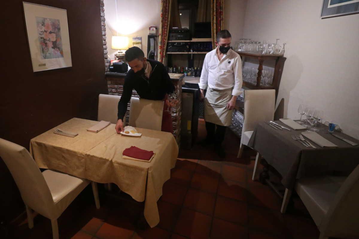 Κορονοϊός: Σε «πολιορκία» πολλές ευρωπαϊκές χώρες – Σκληρά μέτρα για την αναχαίτιση της πανδημίας